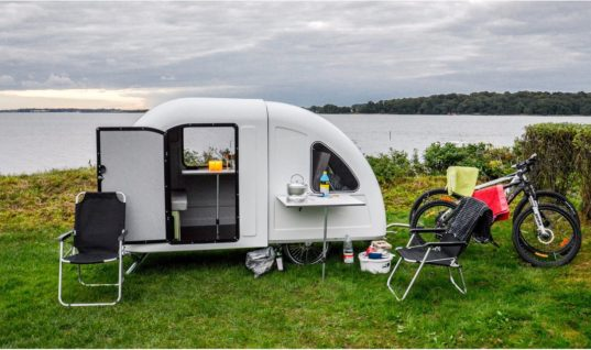 You Can Pull This Tiny Mobile Home Behind Your Bike (and Then Make a Quick Break)