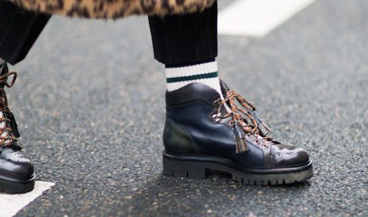 French Women Don't Wear These 3 Things in Winter