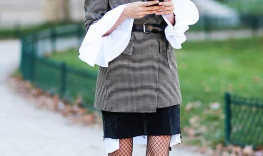 Your Fashion-Friendly Guide to Wearing Fishnets