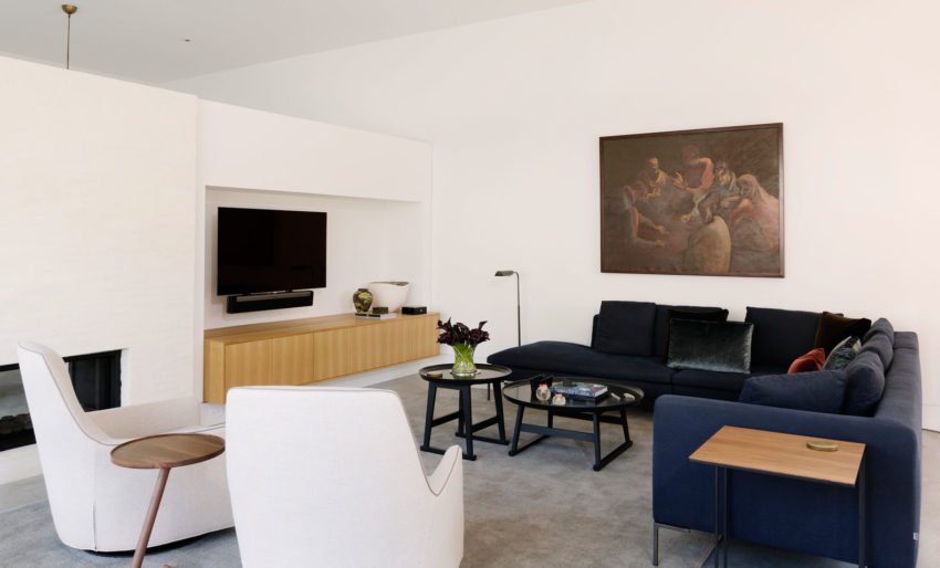 Magnificent Collaborative Work Results in this Modern and Elegant Home 86