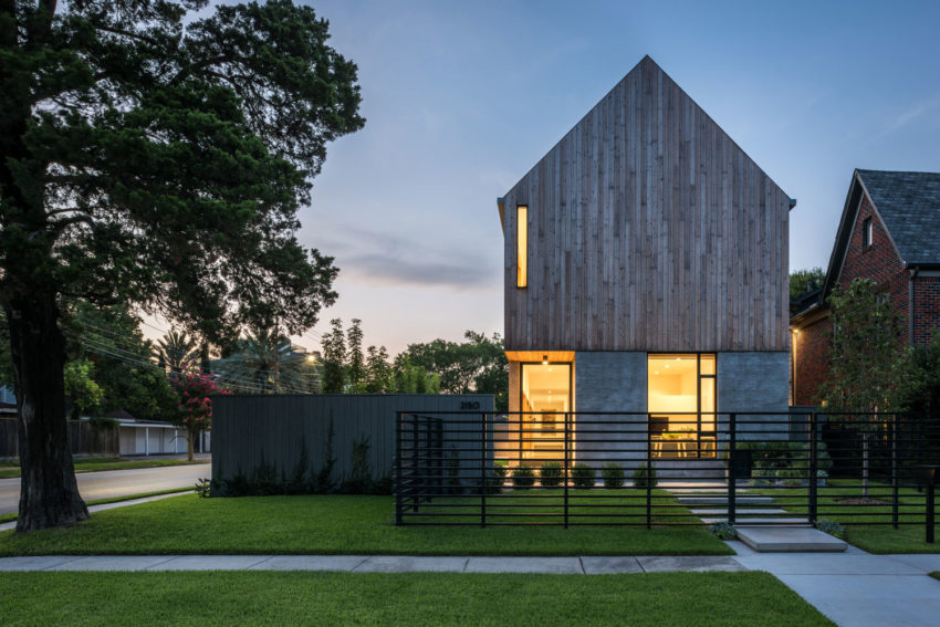 Magnificent Collaborative Work Results in this Modern and Elegant Home 104