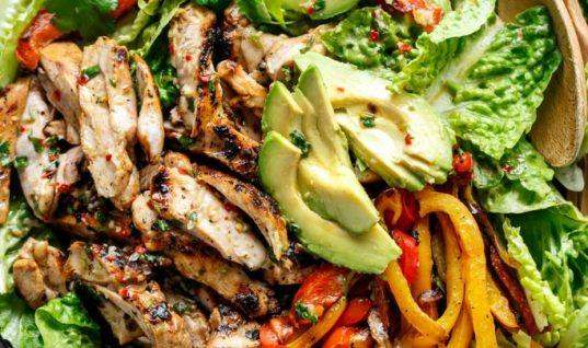 Grilled Chili Lime Chicken Fajita Salad (+ VIDEO)