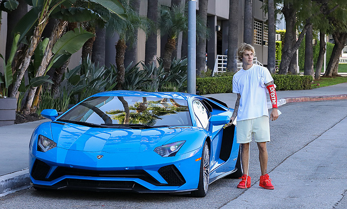 Justin Bieber Is Too Cool For School With His Supreme Arm Band, Yeezy Red Octobers, And $450K Lambo - X17 Online 40