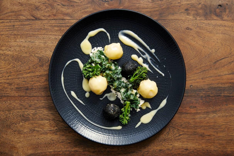 vegan-cafe-restaurants-stops-london-vanilla-black