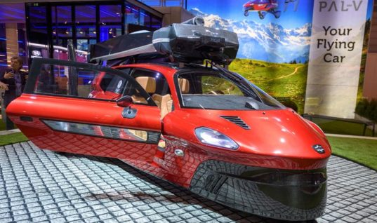 Dutch company unveils flying vehicle at car show