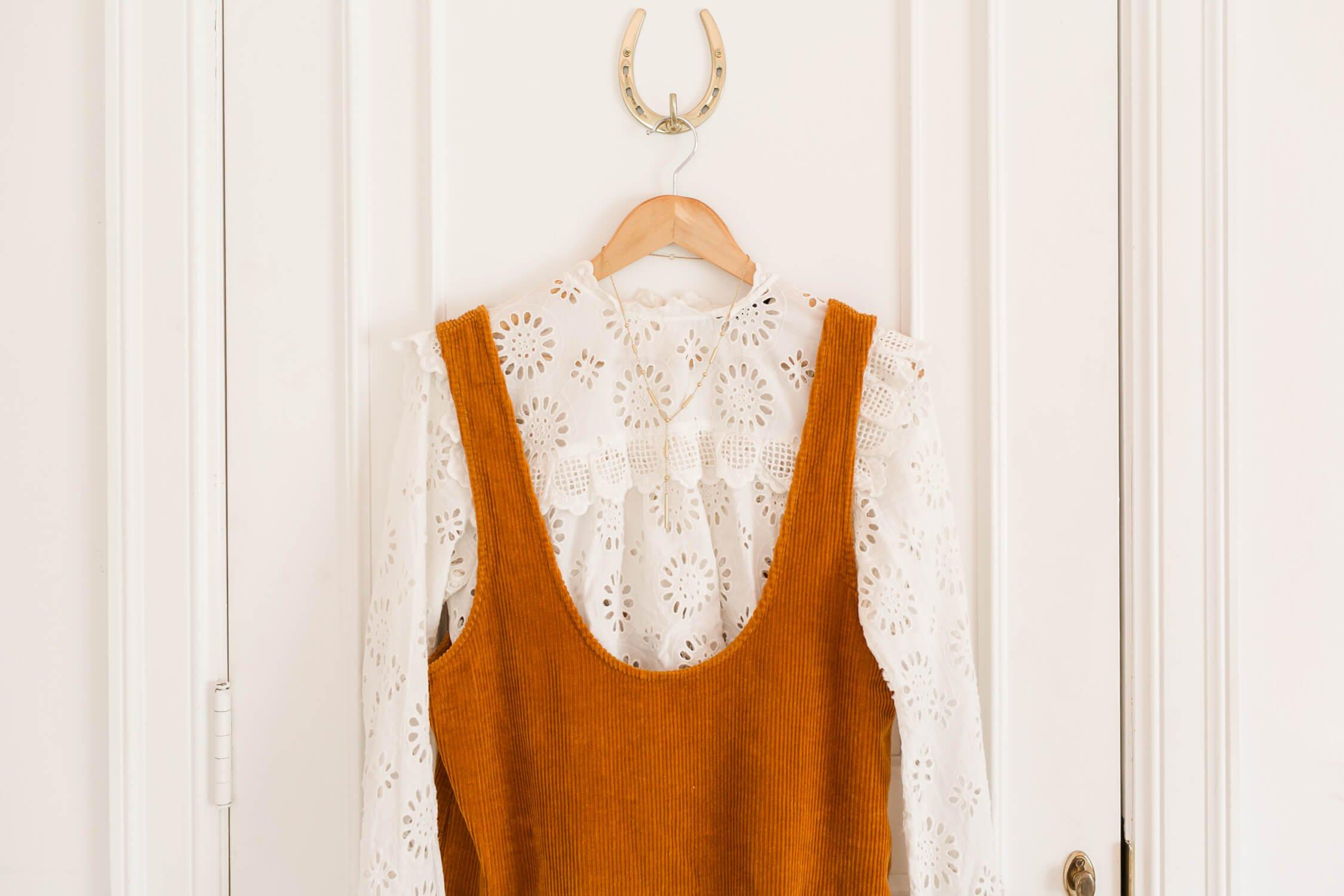 Spring Capsule Wardrobe Ideas – A Beautiful Mess 94