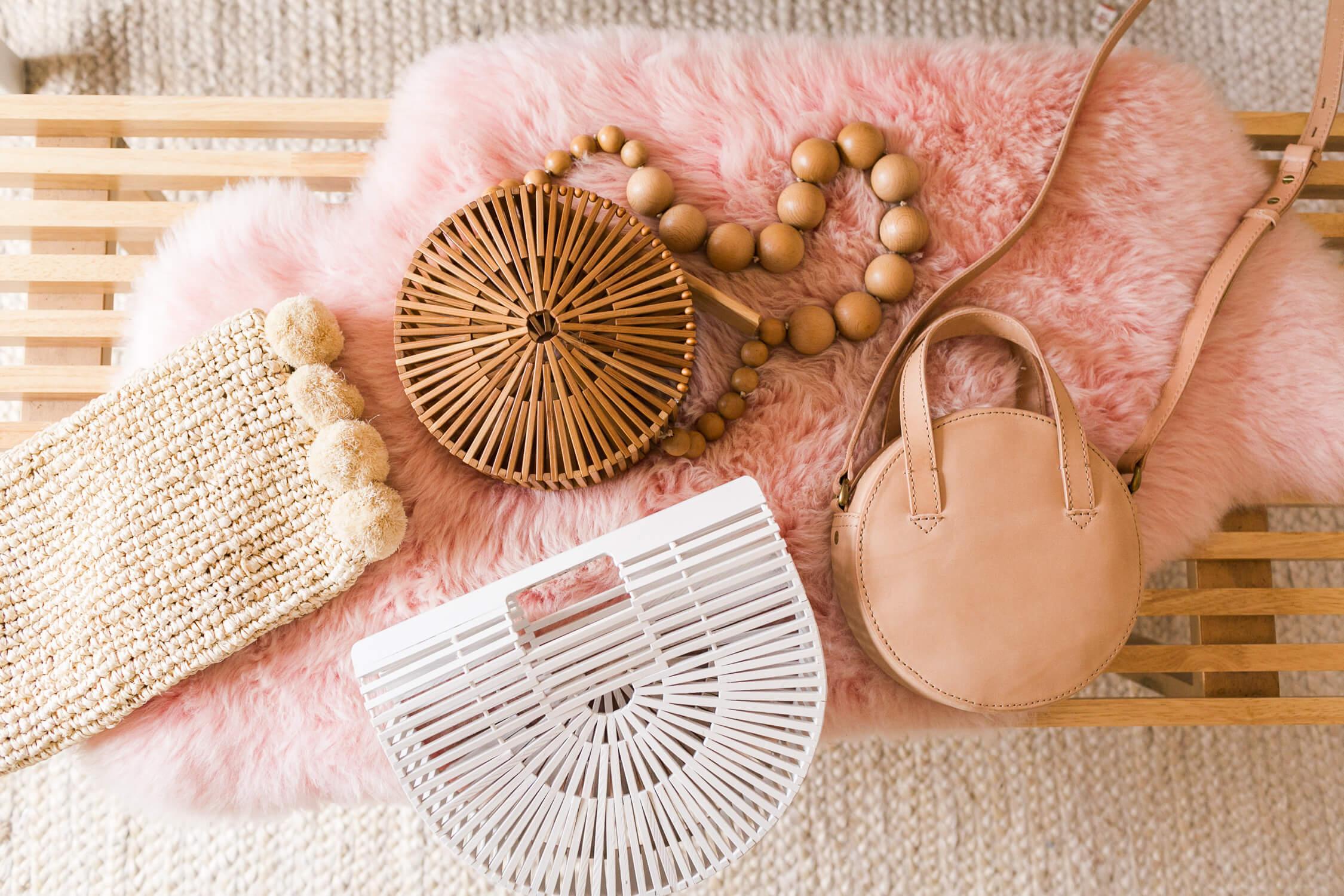 Spring Capsule Wardrobe Ideas – A Beautiful Mess 102