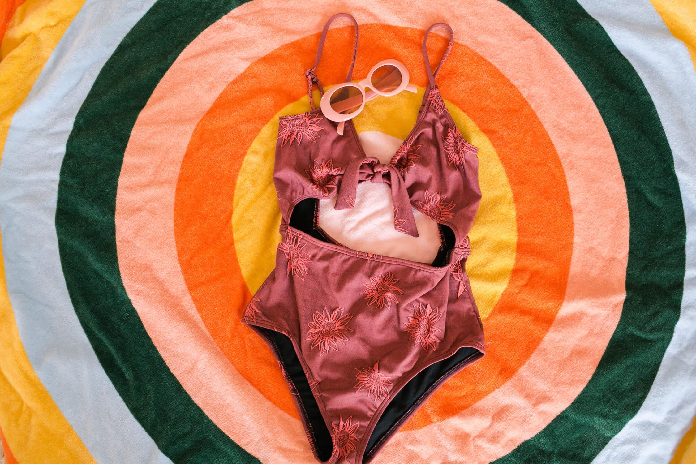Spring Capsule Wardrobe Ideas – A Beautiful Mess 106