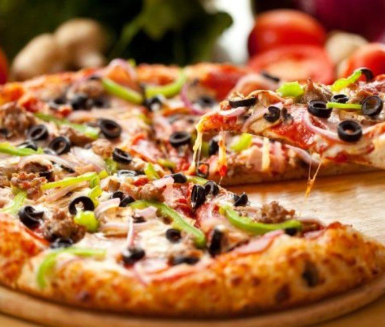 "Scientists Make a Unique ""Life-Prolonging"" Pizza – The Pizza Pascalina!"