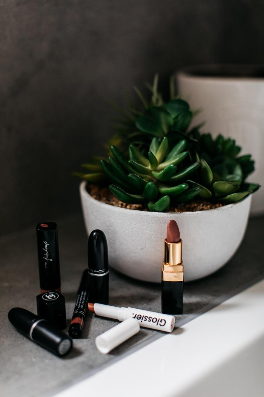 Autumn Nudes, Peach Lipstick... 43