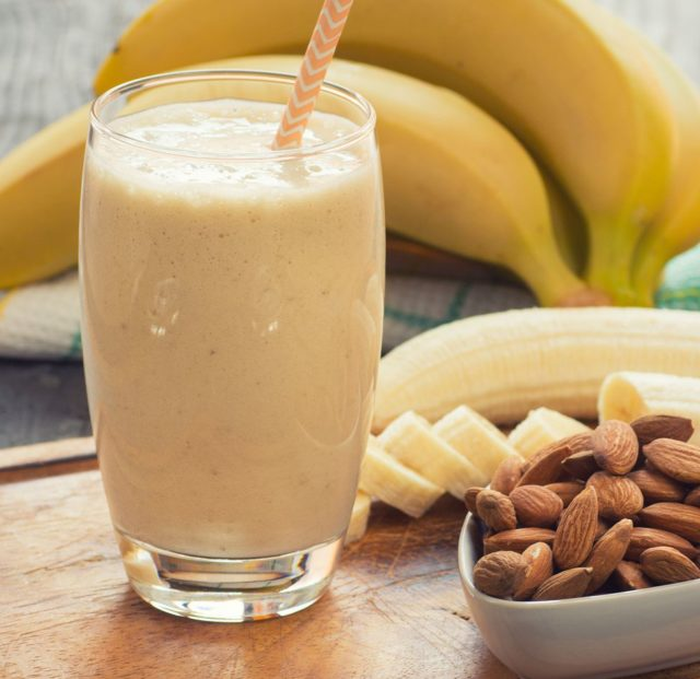 Almond, banana, smoothie