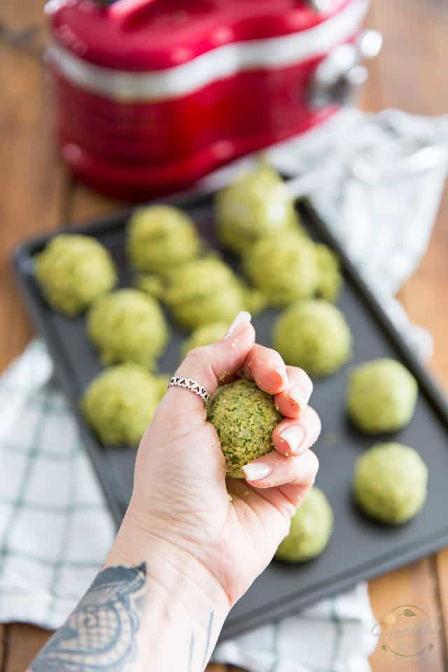 Crispy Homemade Falafel with Garlic Tahini Sauce by Sonia! The Healthy Foodie | Recipe on thehealthyfoodie.com