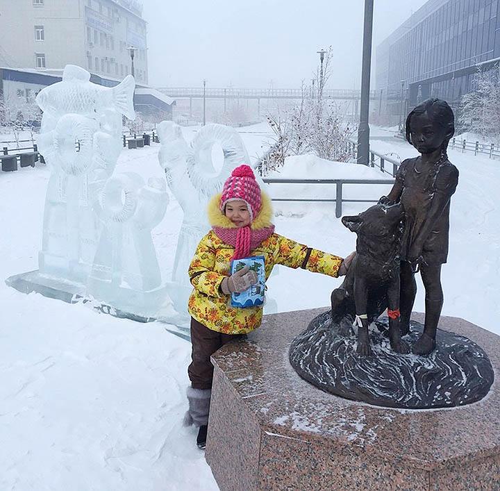 Karina Chikitova and her monument