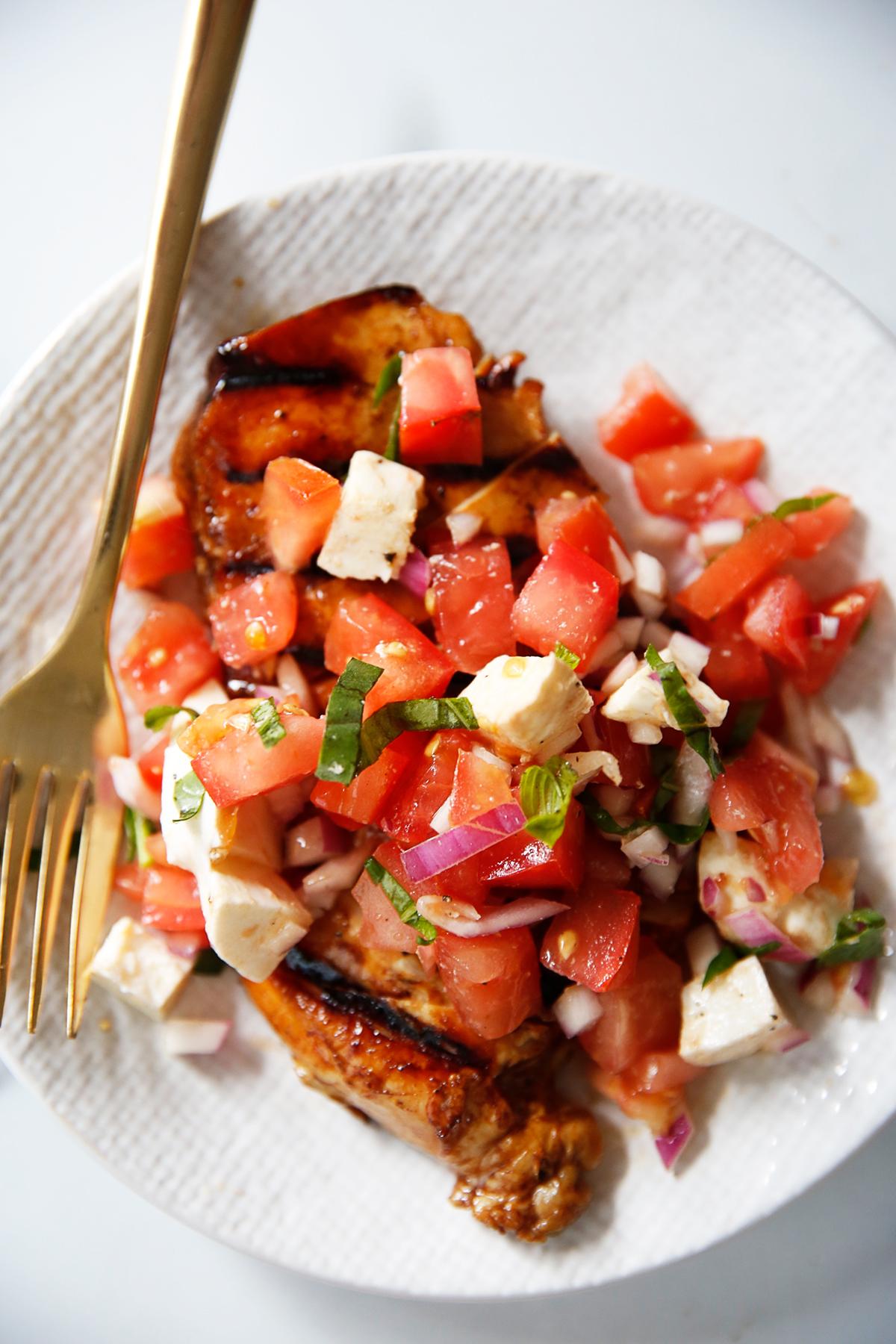 Easy Grilled Bruschetta Chicken Recipe 36