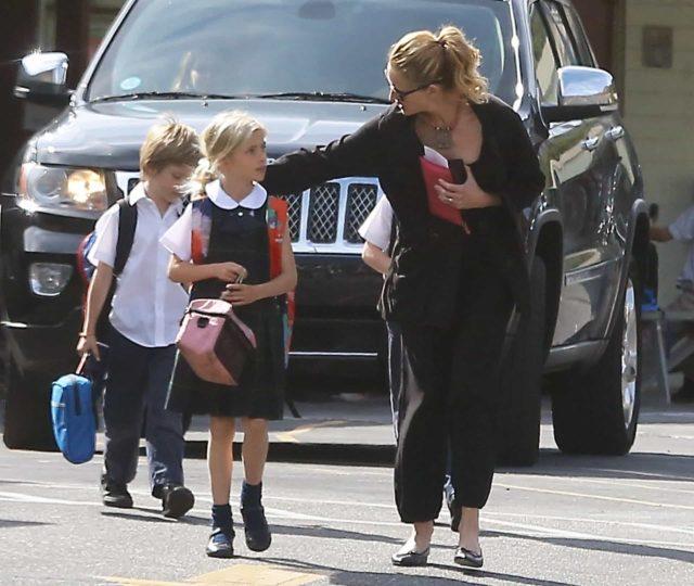 10 Celebrity Parents Who Raise Their Children In Strictness 100