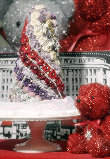 Attributes and toy bear mini-Christmas tree