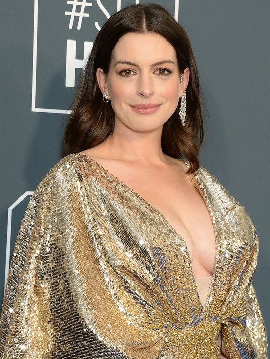 Anne Hathaway Declassified The Sex Of Her Second Child And 5 More News That You Could Oversleep 41