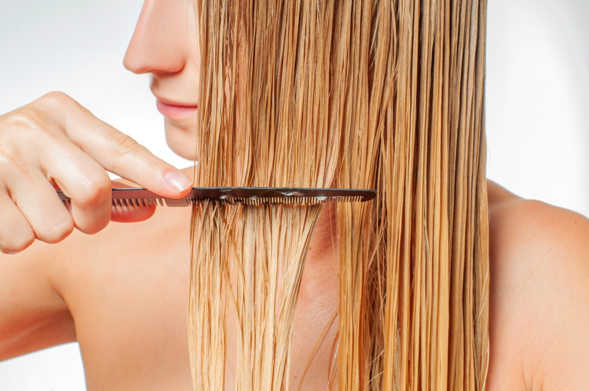 Drying Hair Without A Hairdryer: tips and tricks