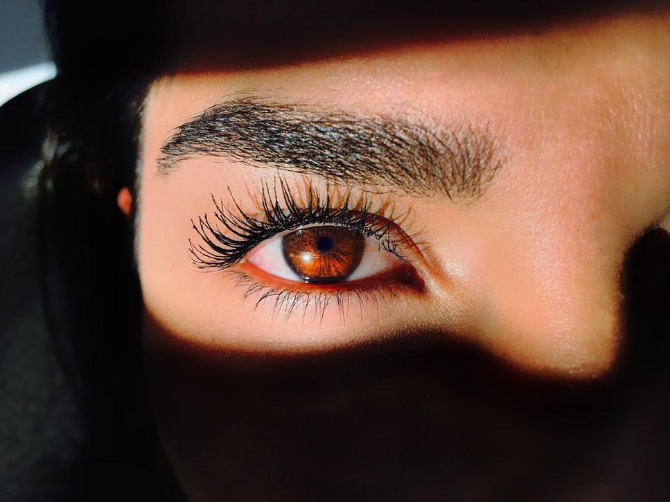 Trendy Eyebrows 2020: top 5 major dazzling trends 36