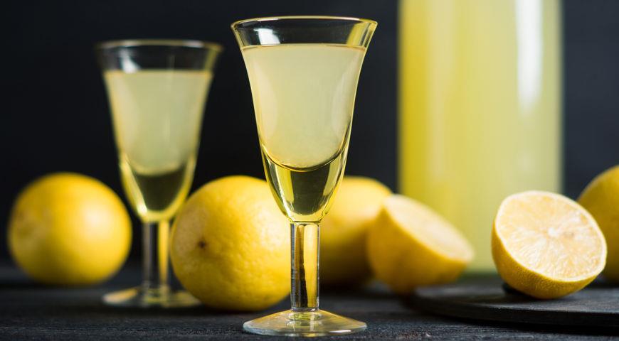 Homemade Limoncello Liqueur Recipe