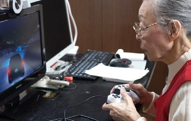 The 90-year-old Japanese woman became the oldest gamer in the world: photos, videos