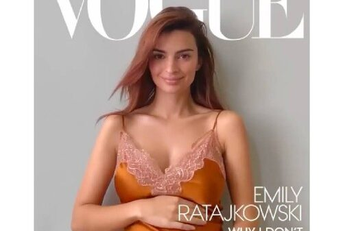 Breathtaking Pregnant Emily ratajkowski posed for the cover of American Vogue 25