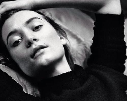 5 striking film images of Ecstatic Mia Wasikowska 36