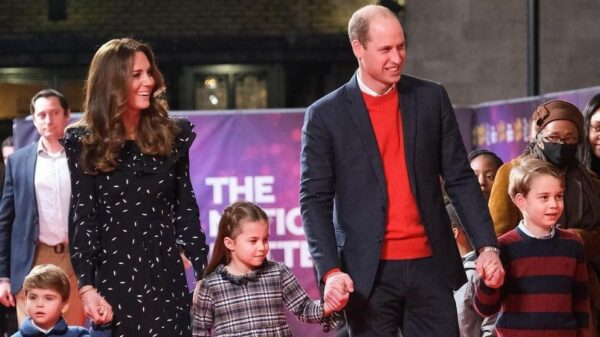 Rare shot: Kate Middleton and Prince William with three children appeared on the red carpet 44